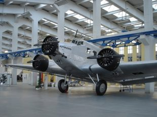"Flugzeug JU 52 im Technikmuseum ""Hugo Junkers"""